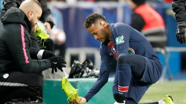 Neymar Kembali Alami Cedera Metatarsal